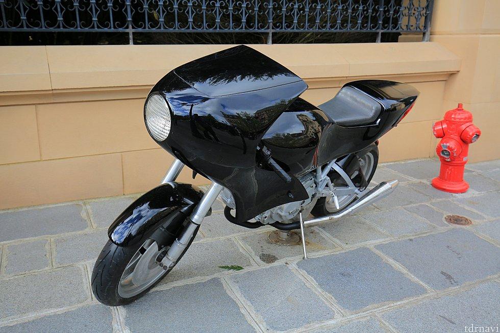 レミーのエリアにはコレットが乗ってたバイクもあります。