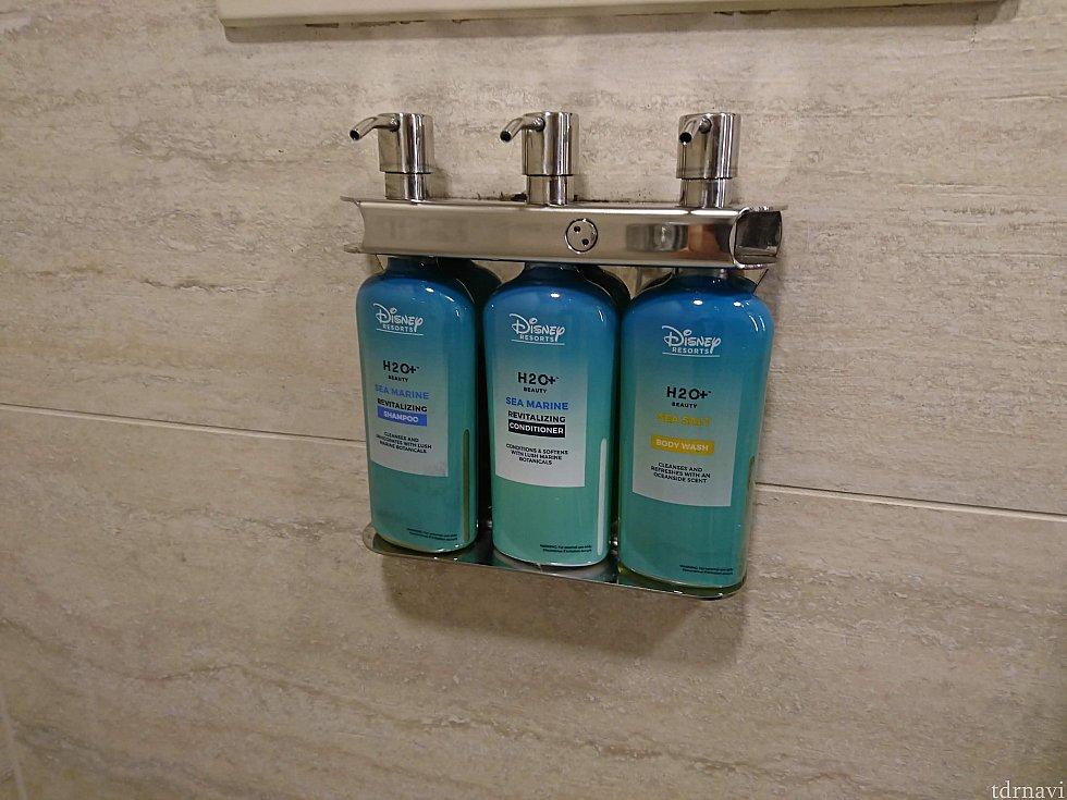 シャワールームにはシャンプー、コンディショナー、ボディーソープ。こちらはオールスタースポーツと同じものでした。