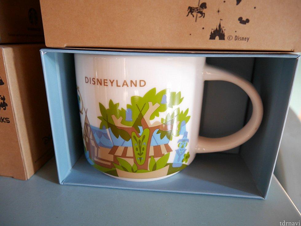 【マグカップ】 こちらもディズニーランド限定 こちらは前からあったデザイン。在庫がなくなり次第新作に切り替わるのかも