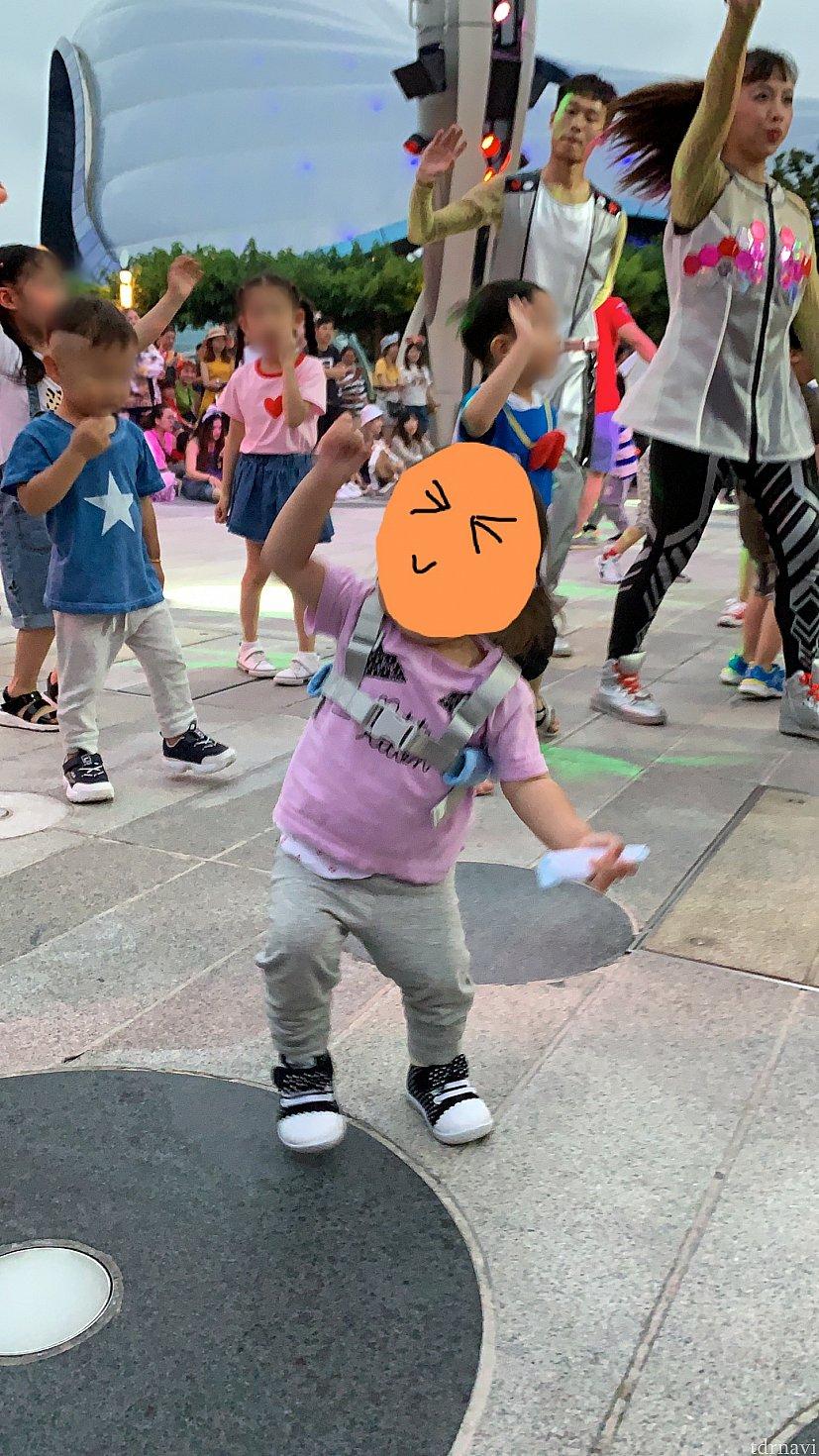 我が子もノリノリで踊ってました(笑