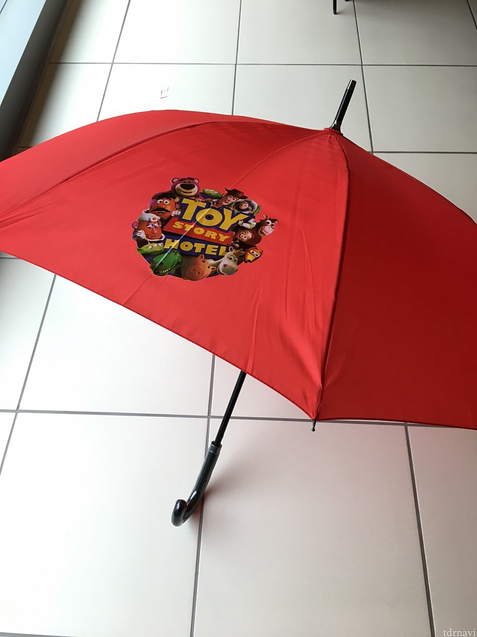 雨が降っていたらベルデスクで傘を貸してもらえます。