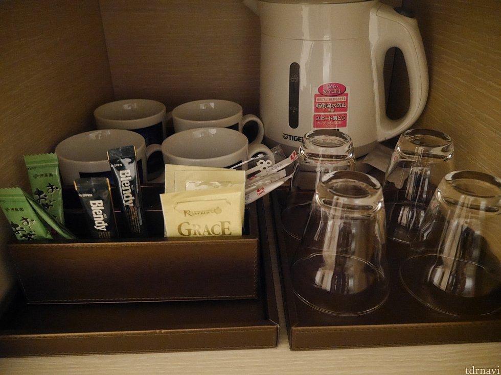 コーヒーやお茶も揃ってます!