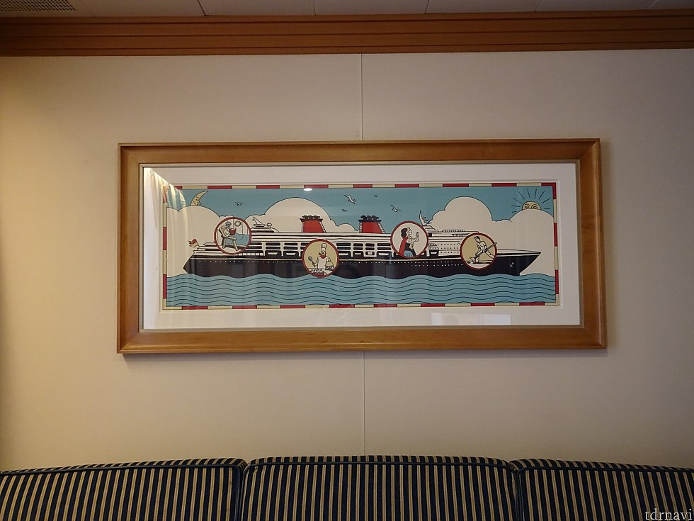 ソファー上の絵です。 クルーズ感が好きです。