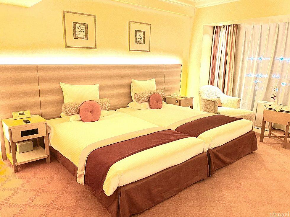 大きなベッド。<br> 寝心地バッチリです。