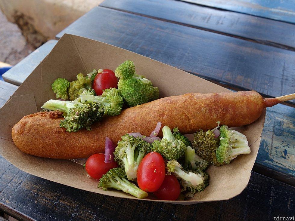 2軒目:Fried in Curried Corn Batter with Roasted Broccoli and Tomato Salad 8.99ドル