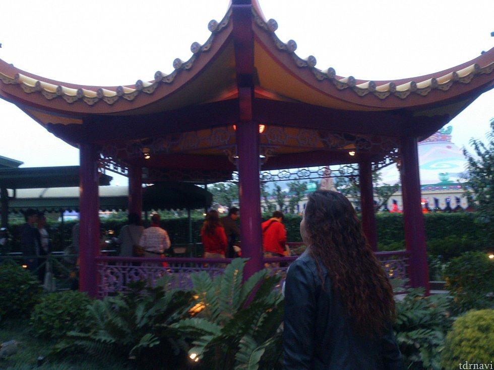 プルート小屋は中華風。