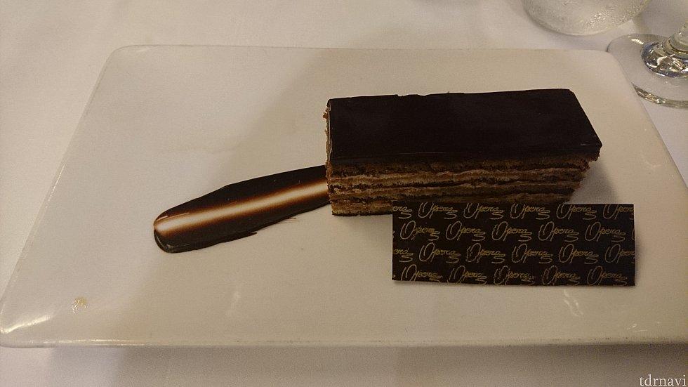 デザート! めちゃくちゃ濃厚なチョコレートケーキでしたが、美味しかったです😁