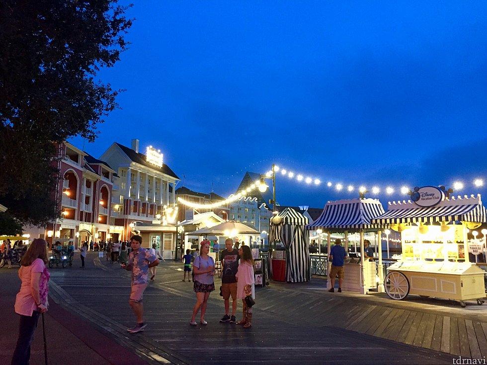 数多いディズニーリゾートの中でも、夜景が断然綺麗なのがこのボードウォークリゾート。