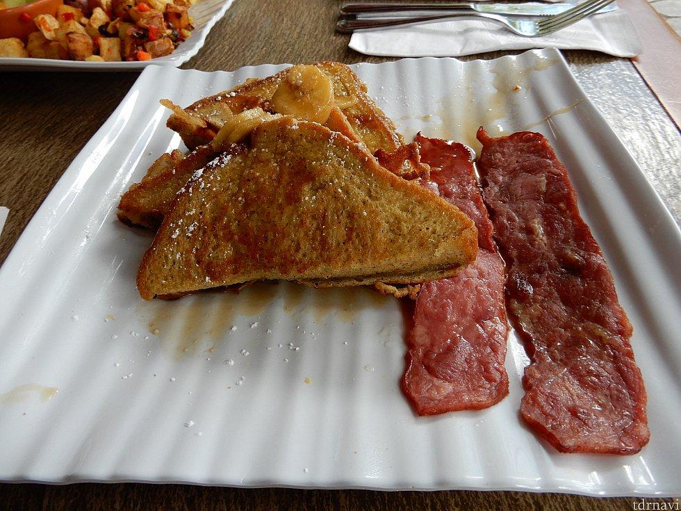 タンガロアテラスの朝食。