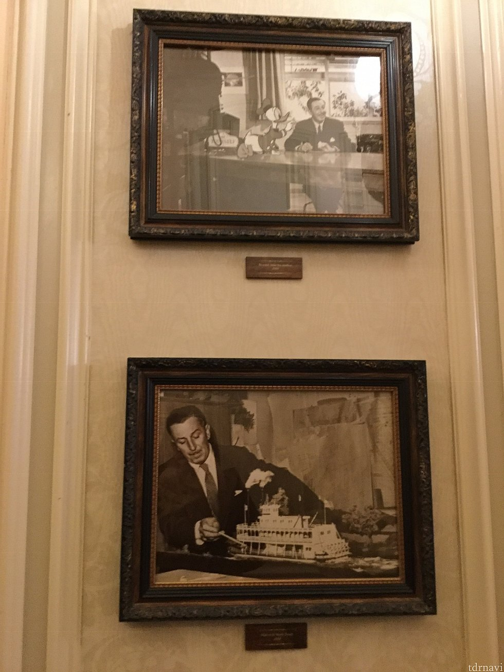 中にはウォルトの写真がいっぱい