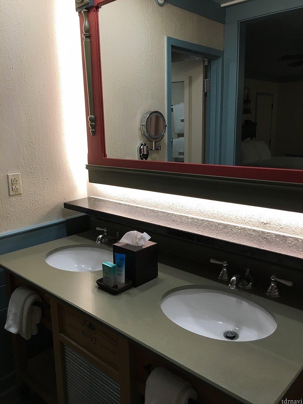 洗面台、2つついていてとても便利でした!