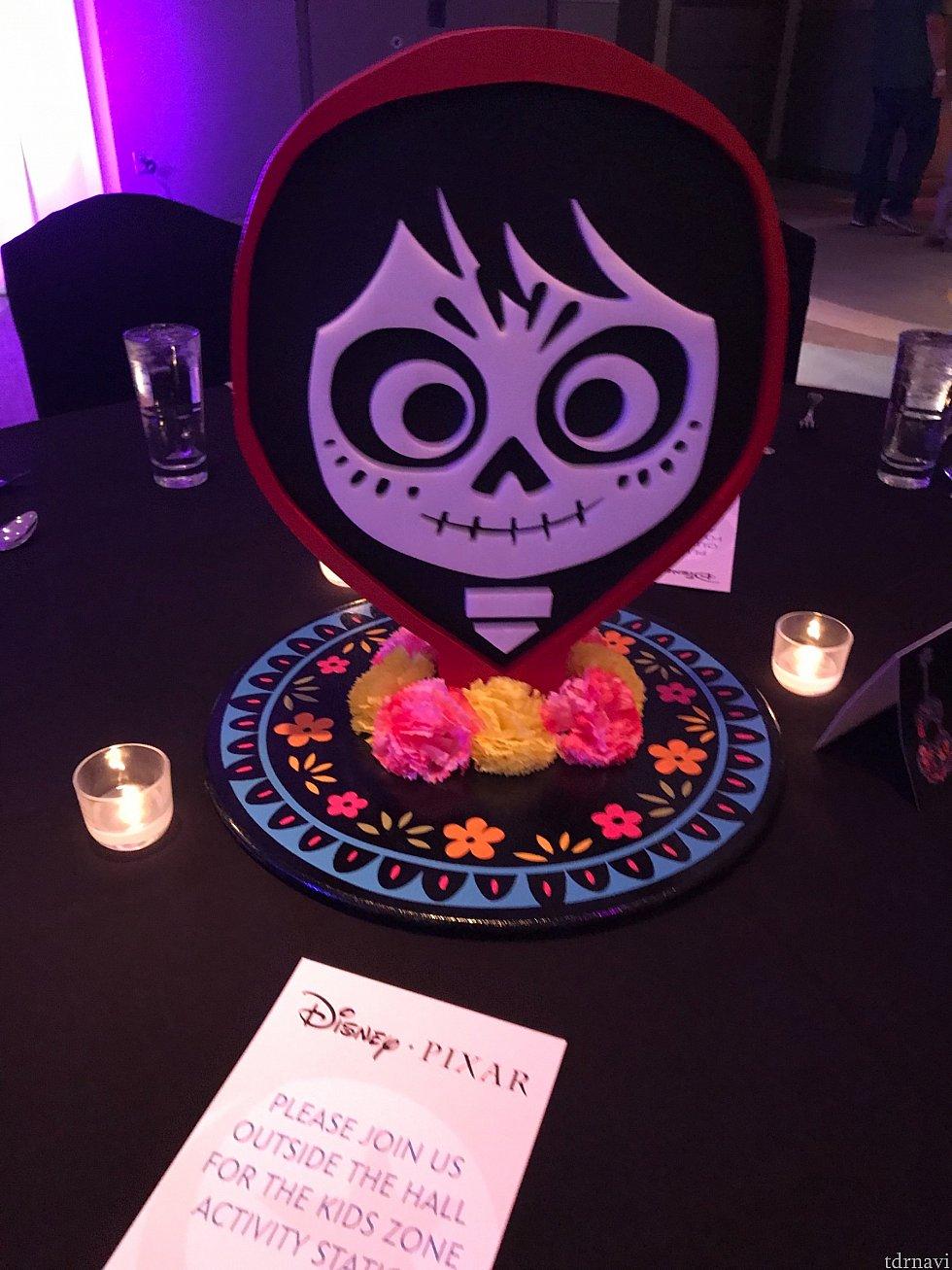Miguelのテーブル可愛い😍