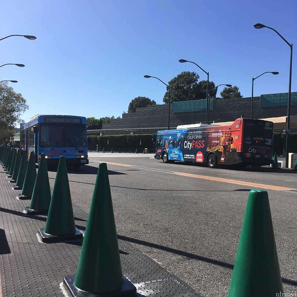 ARTバスです (Disneyland Main Transportation Center)