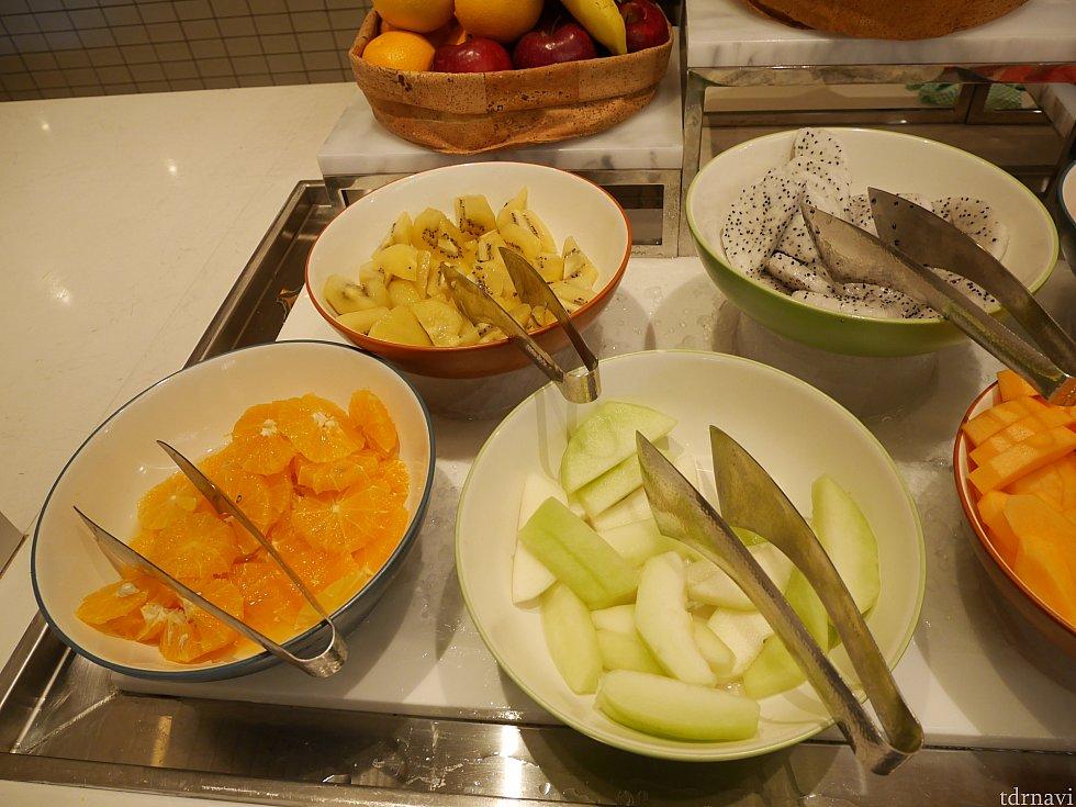 果物は朝食と少し種類が違いました!