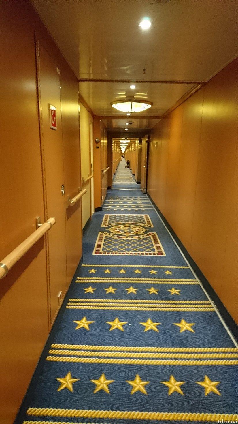 部屋の前の廊下です😄