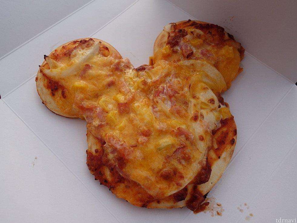 ミッキーピザ500円 マヨネーズが効いていてとっても美味しいです!