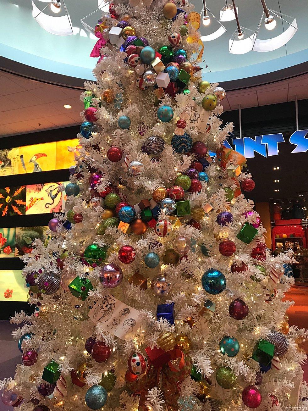 フロントには、まだクリスマスツリー