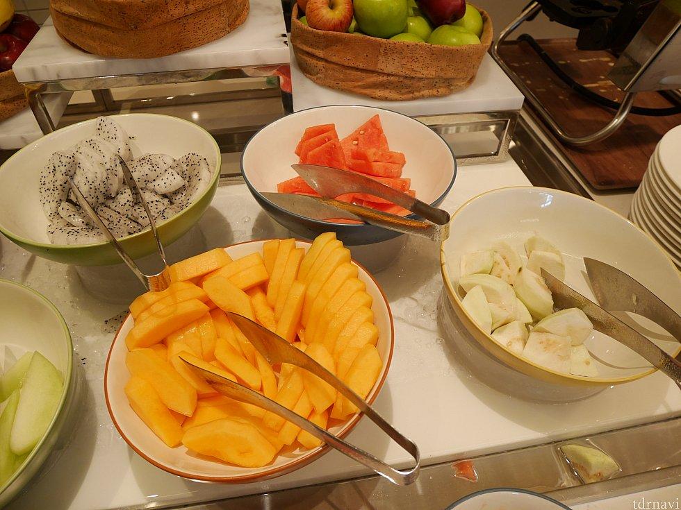 どうでもいいことですが、朝食と切り方が違う!(笑)