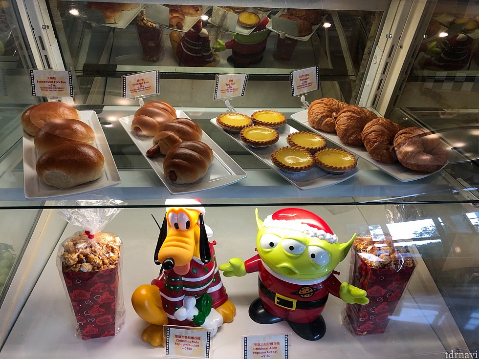 菓子パン以外にもポップコーンが購入できます。ポップコーンバケットも購入できます。