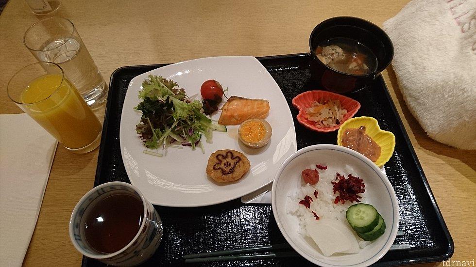 ハイピリオンが休止期間のため、花の和食ブッフェを頂きました。こちらも美味しかったです(*^^*)