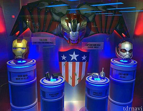 アイアンマンやアントマンのマスクも展示!貴重です。