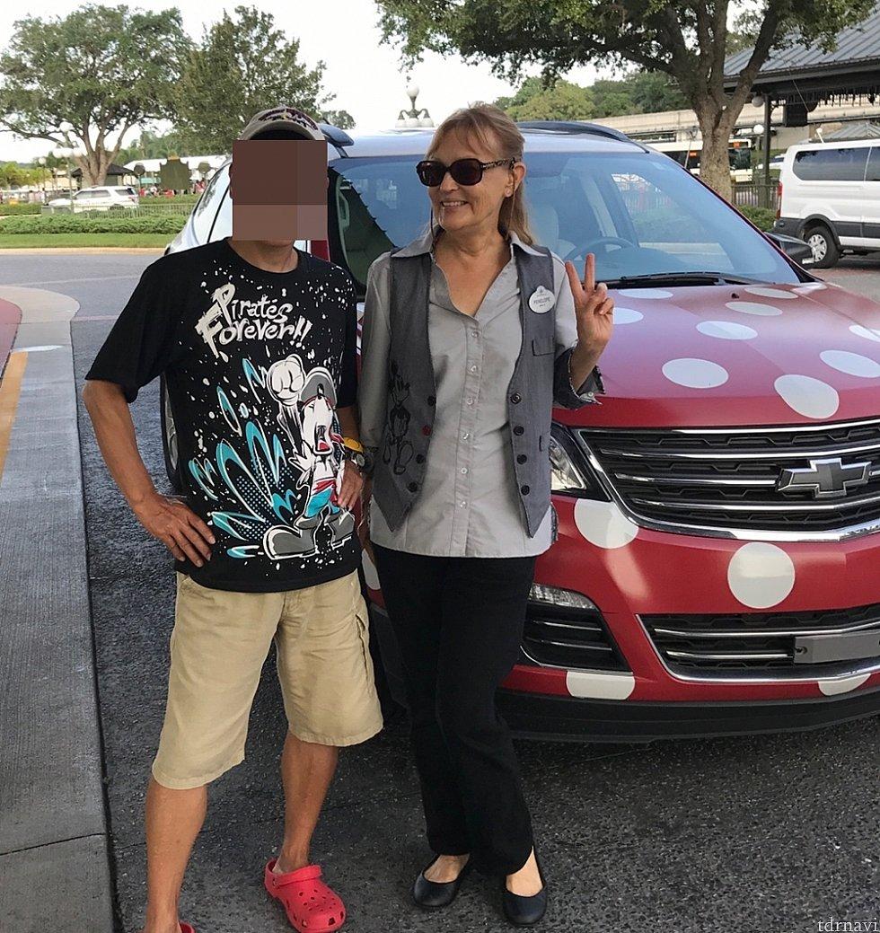 ドライバーはとっても気さくな女性キャストでした!