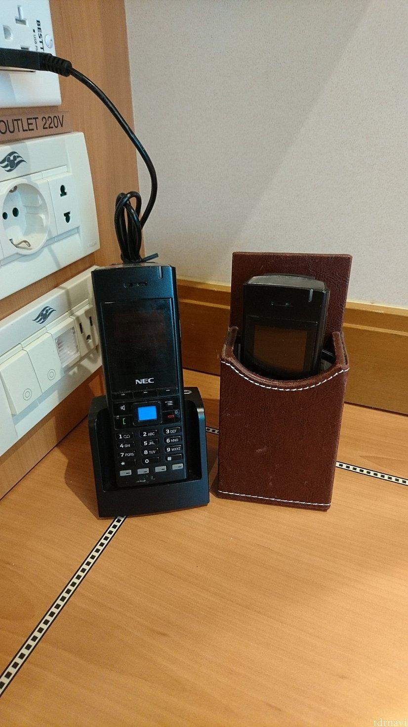 船内用の電話です。2台までは無料、3台目からは有料となります。