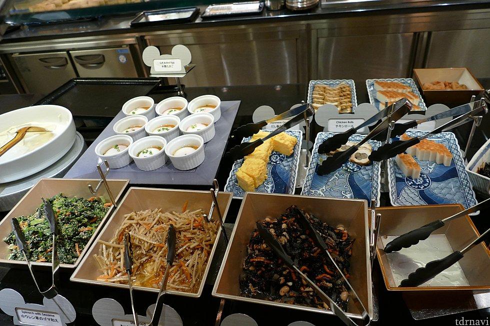 お豆腐、温泉たまご、和の惣菜がたくさんあって朝ご飯は絶対和食派の私は朝から大興奮!! ディズニーホテルにいるのに旅館にいるみたい!!!