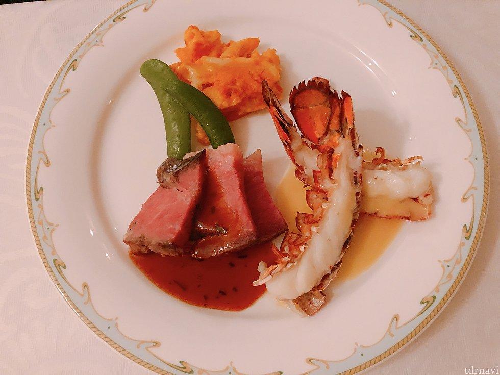 メイン:ローストビーフとオマール海老のオーブン焼き、エストラゴンソースとブールブランソース