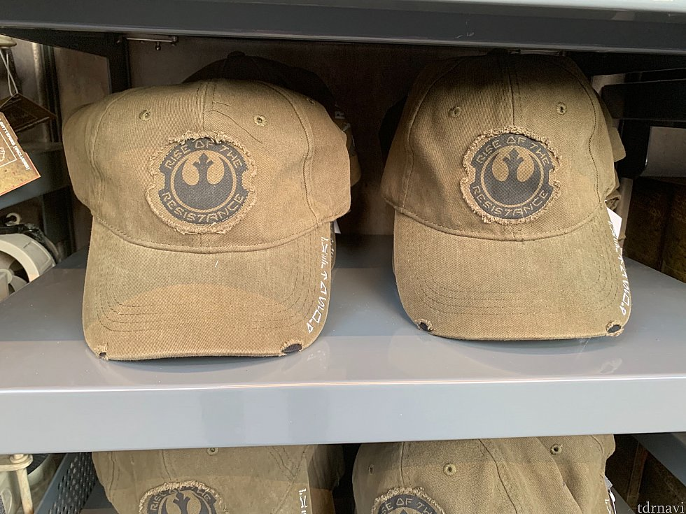 帽子28ドル