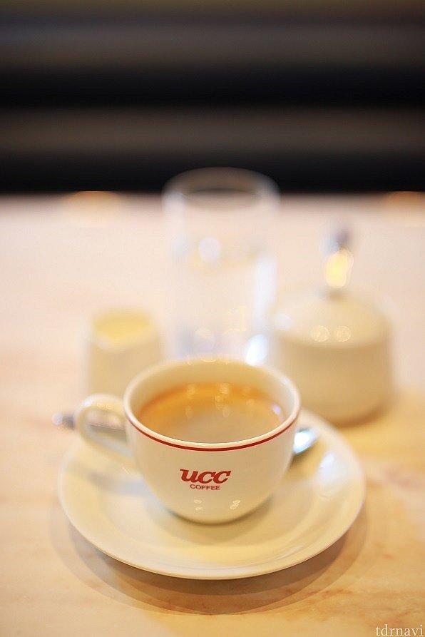 この日のセットはコーヒーを♪ UCCのロゴが目立ちますね^^