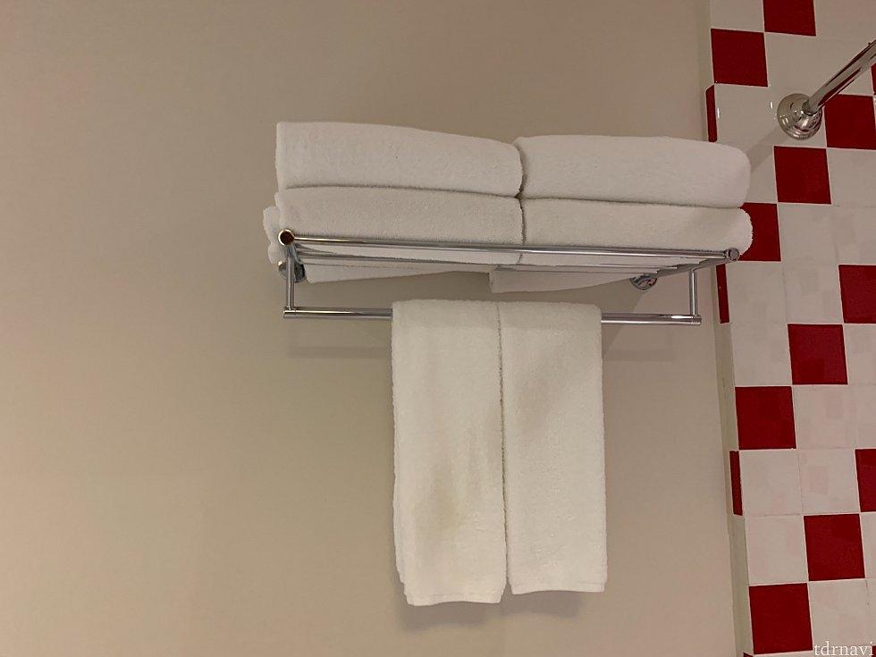 タオルも充分な数があります。