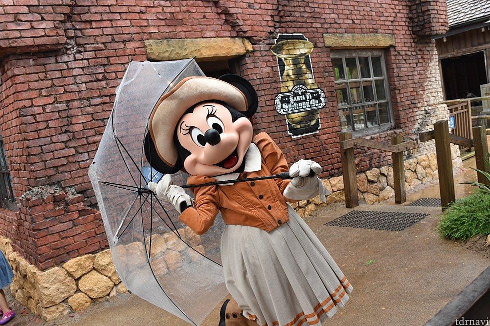傘持ちミニーちゃん♡