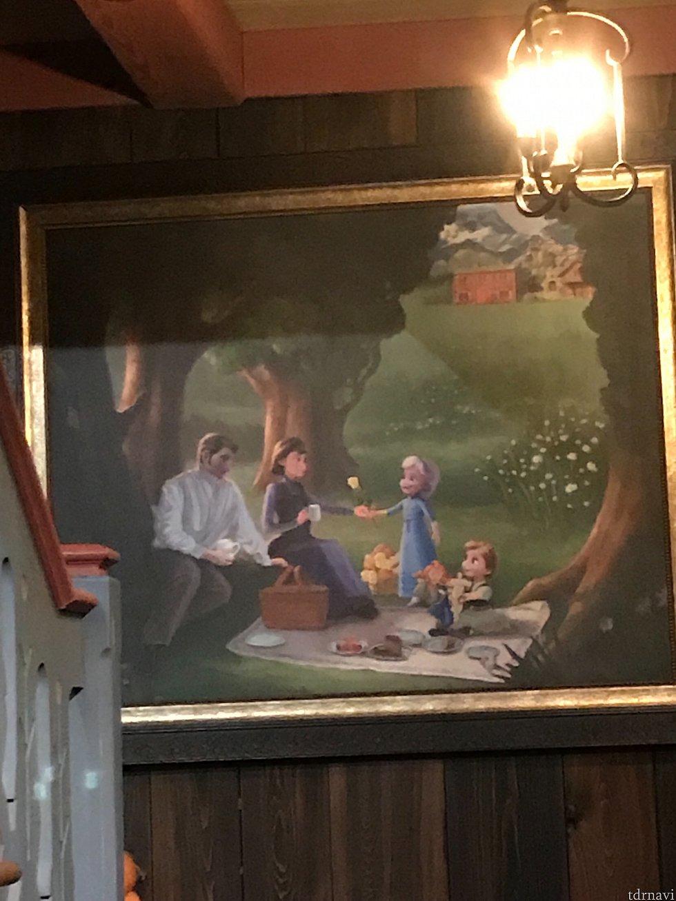 階段の踊り場に飾ってあった絵、家族の思い出でうるっとしちゃいます🥺