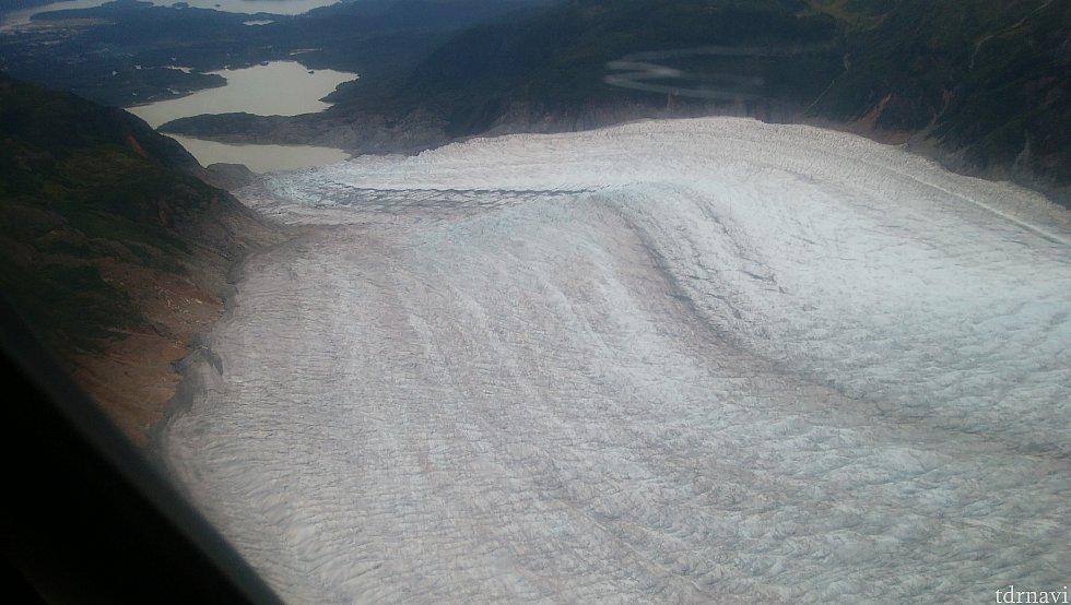 氷河の先を見て、帰路に