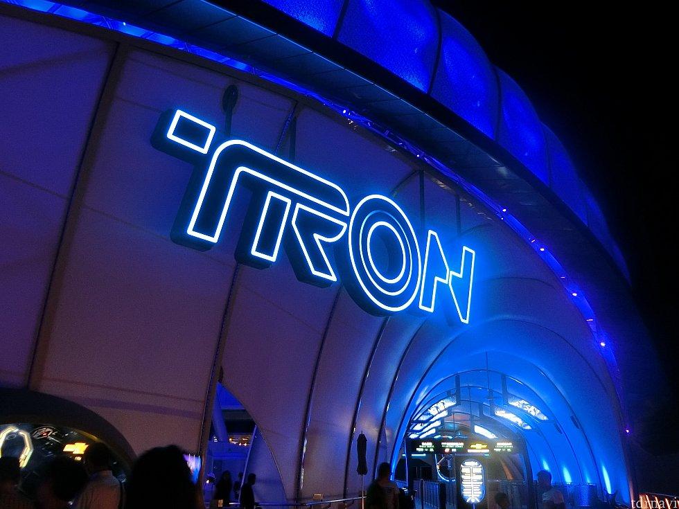 夜のトロン^^