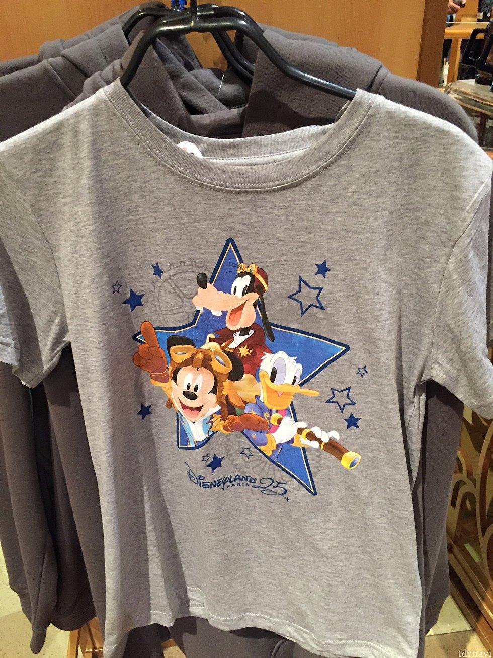 アニバーサリーのTシャツ。