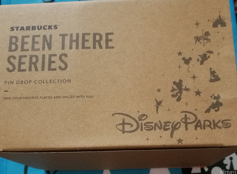 カップが入っている箱は全パーク共通です。箱のサイズは9.5×14.5×10.5cmです。