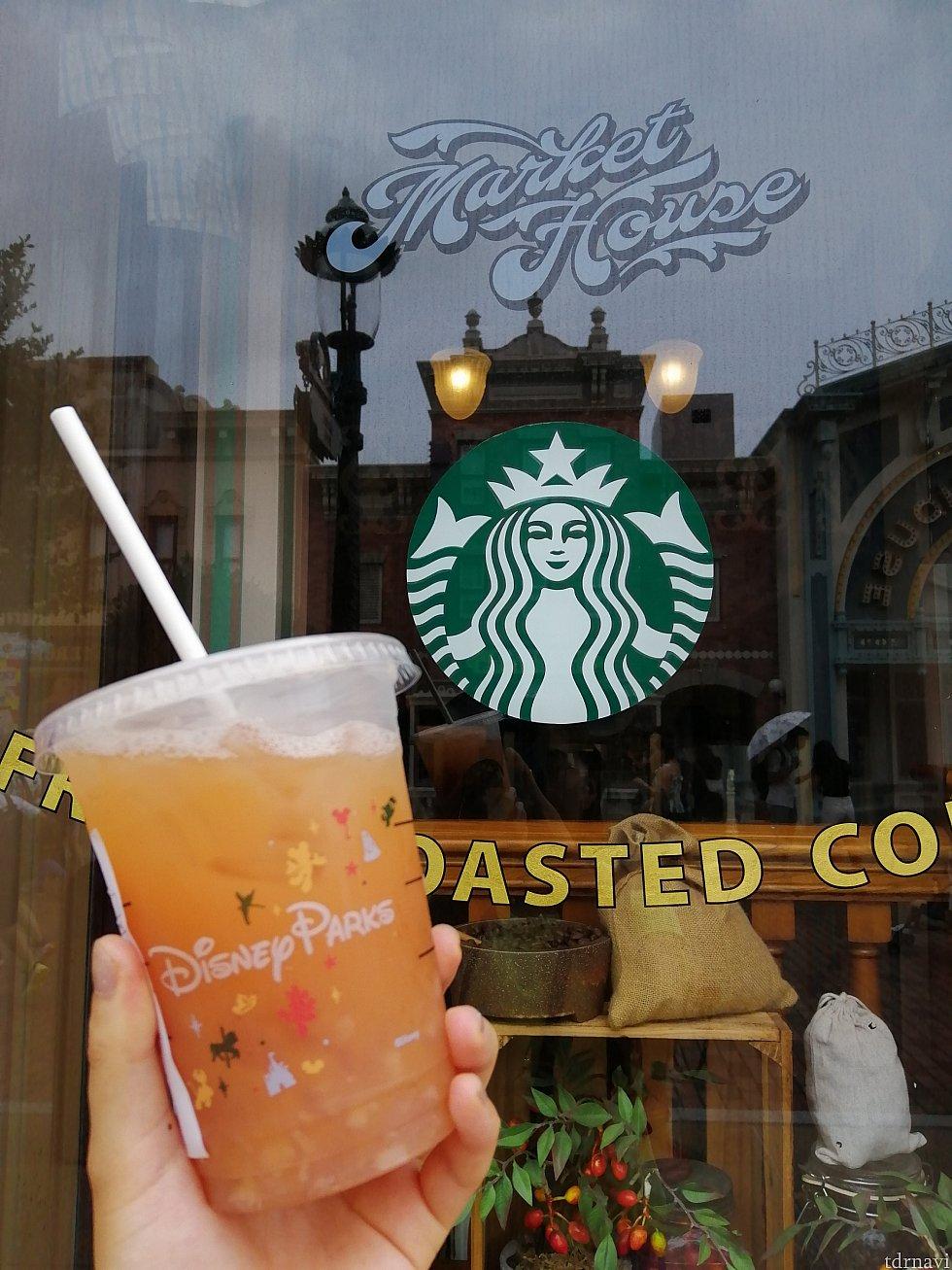 インスタによくあがっているのがこんな感じの写真📷 ドリンクはpeach jelly green tea です