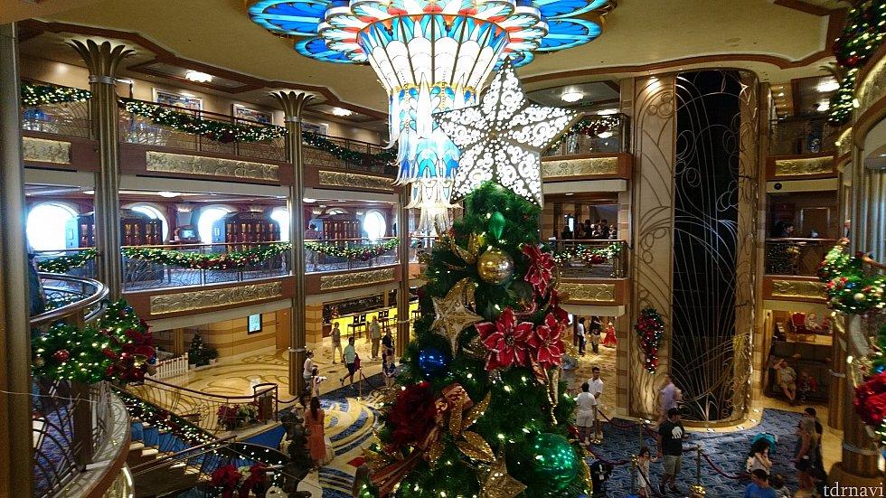 クリスマスの装飾も残っていました。あちこちに色々なツリーがあって可愛かった💕