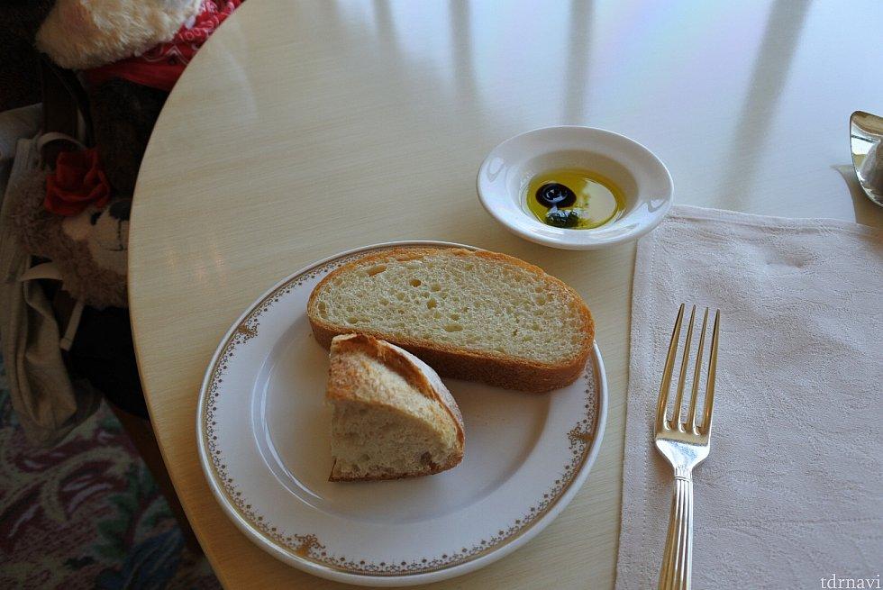 パンはおかわりできます