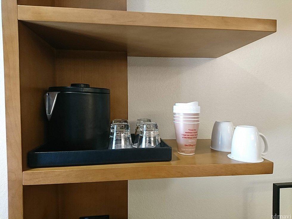 紙コップもあるので、ホテル外へコーヒーを持ち出すことも可能です。