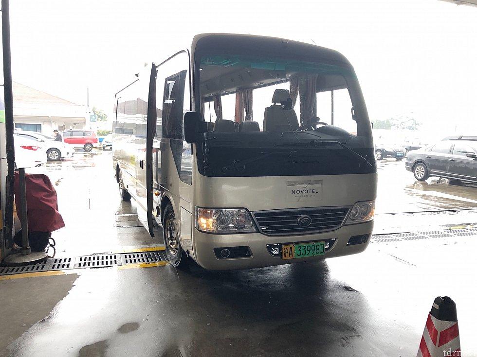 ホテルの無料シャトルバスです。
