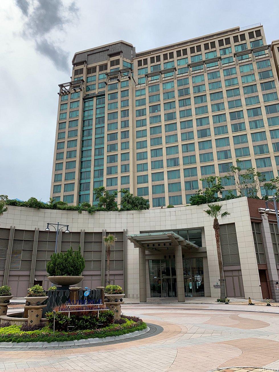 ホテルの外観です。 かなり立派なホテルですよ!
