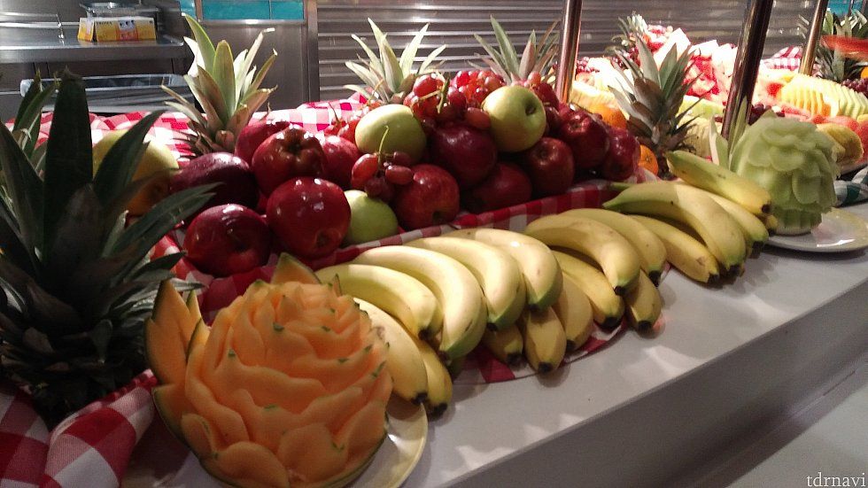 フルーツのレイアウトが素敵。