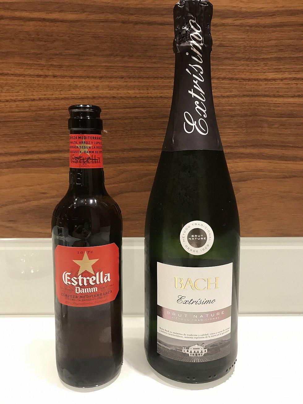 初日のバルセロナではスーパーで、エストレージャ(ビール)とカヴァを購入。たしか合わせて8ユーロくらいだったと。。。