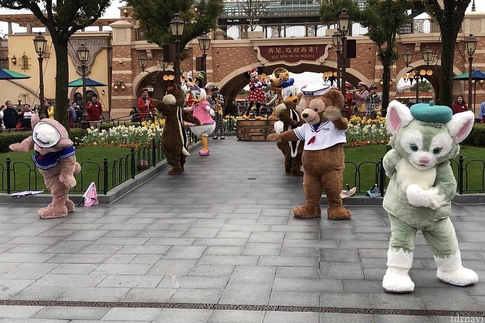 生演奏に合わせてダンス!