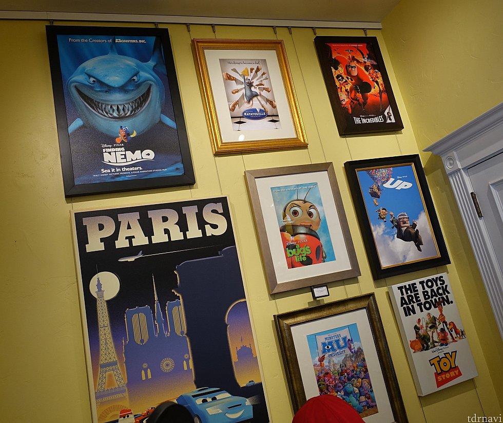 ピクサー作品のポスターも展示中
