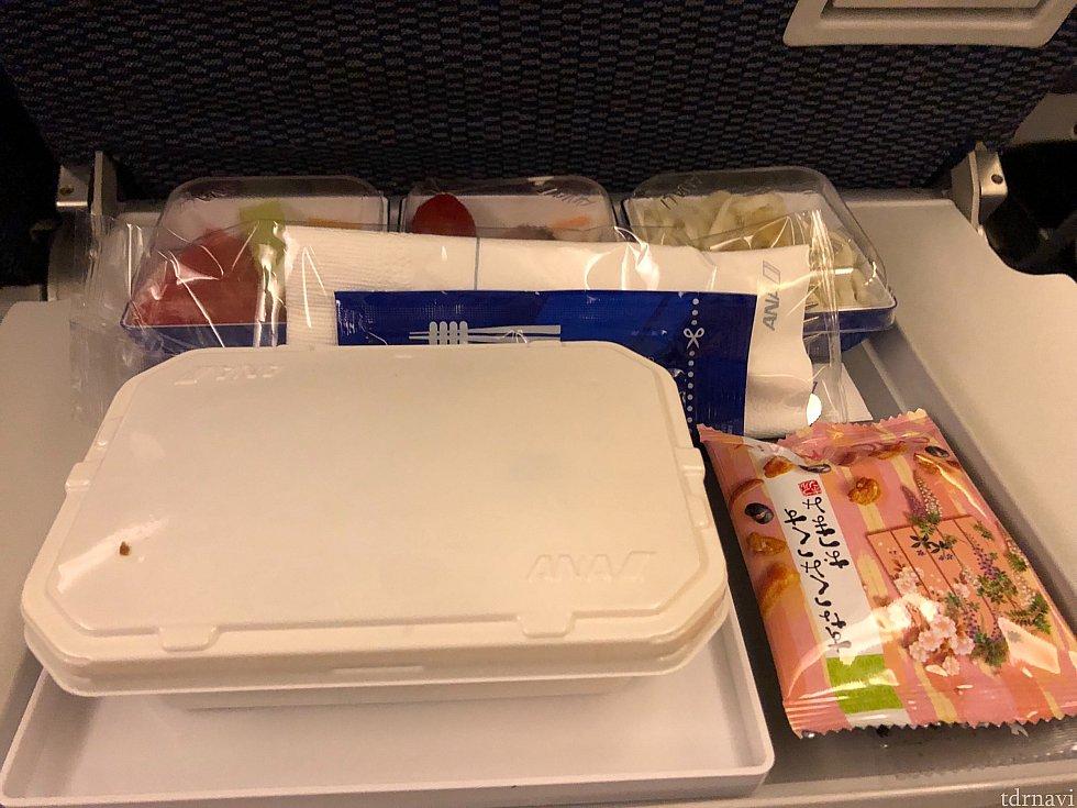 機内食です。