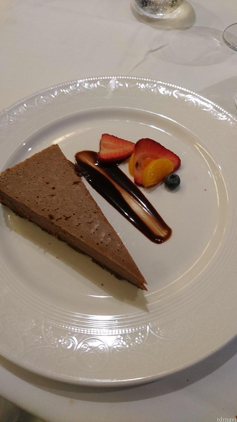 こちらもNo Sugar Added Dessertsです。 チョコレートムース?でした。残念ながらこちらはいまいちでした………。